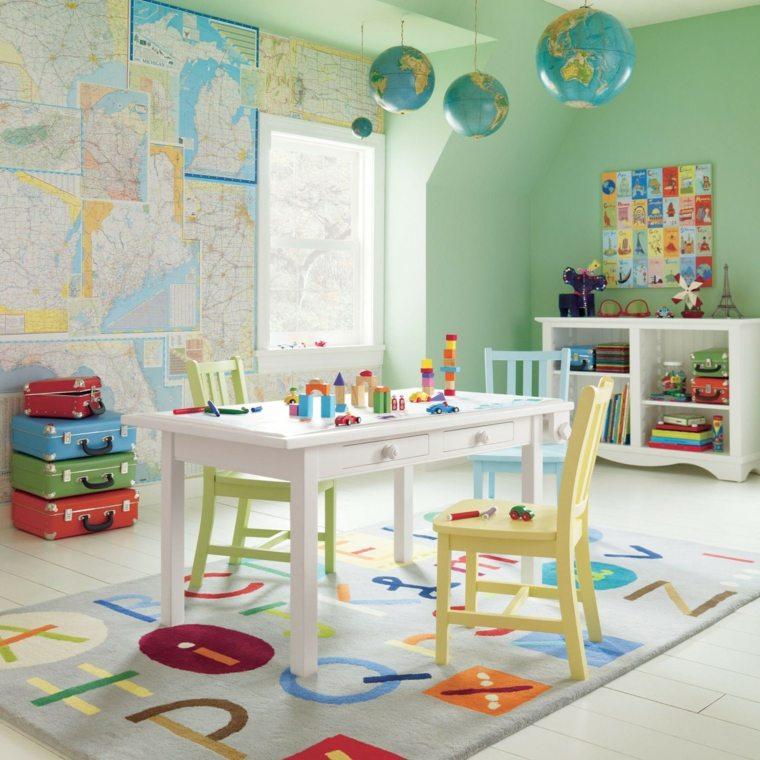 idee salle jeux enfant amenagement table en bois chaise design