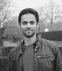 Youssef ZAKARIA est diplômé de l'École Centrale Paris (ingénieur, filière entrepreneur, option énergie). Il est le fondateur de l'ONG DouarIN.
